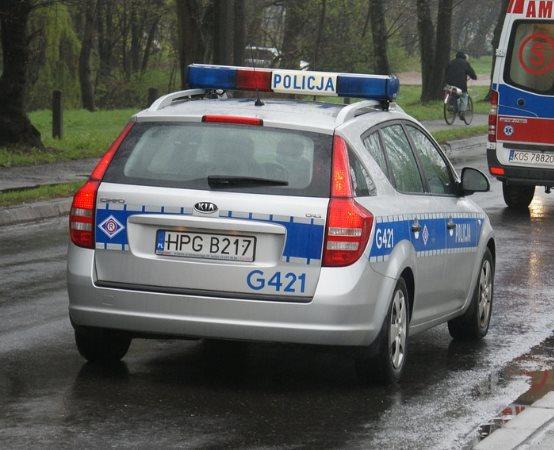 Policja Przemyśl: W trakcie kontroli miejsc zgłoszonych na KMZB dzielnicowi ujawnili pojazd figurujący w bazie SIS